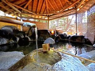当館自慢の岩造り露天風呂『名工の湯』が貸切風呂としてリニューアル♪